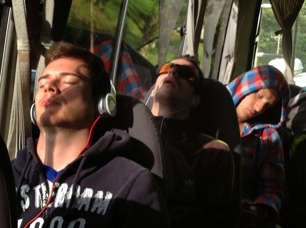 Dans le bus en route vers le rio Pacuare – Costa Rica