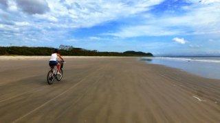 Ilha do Mel à vélo – Brésil