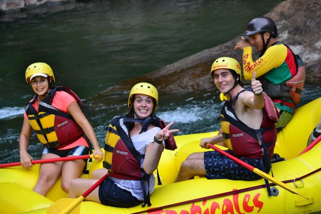 Rafting au Costa Rica – Daniela, Aline et Pierre (de g. à d.)