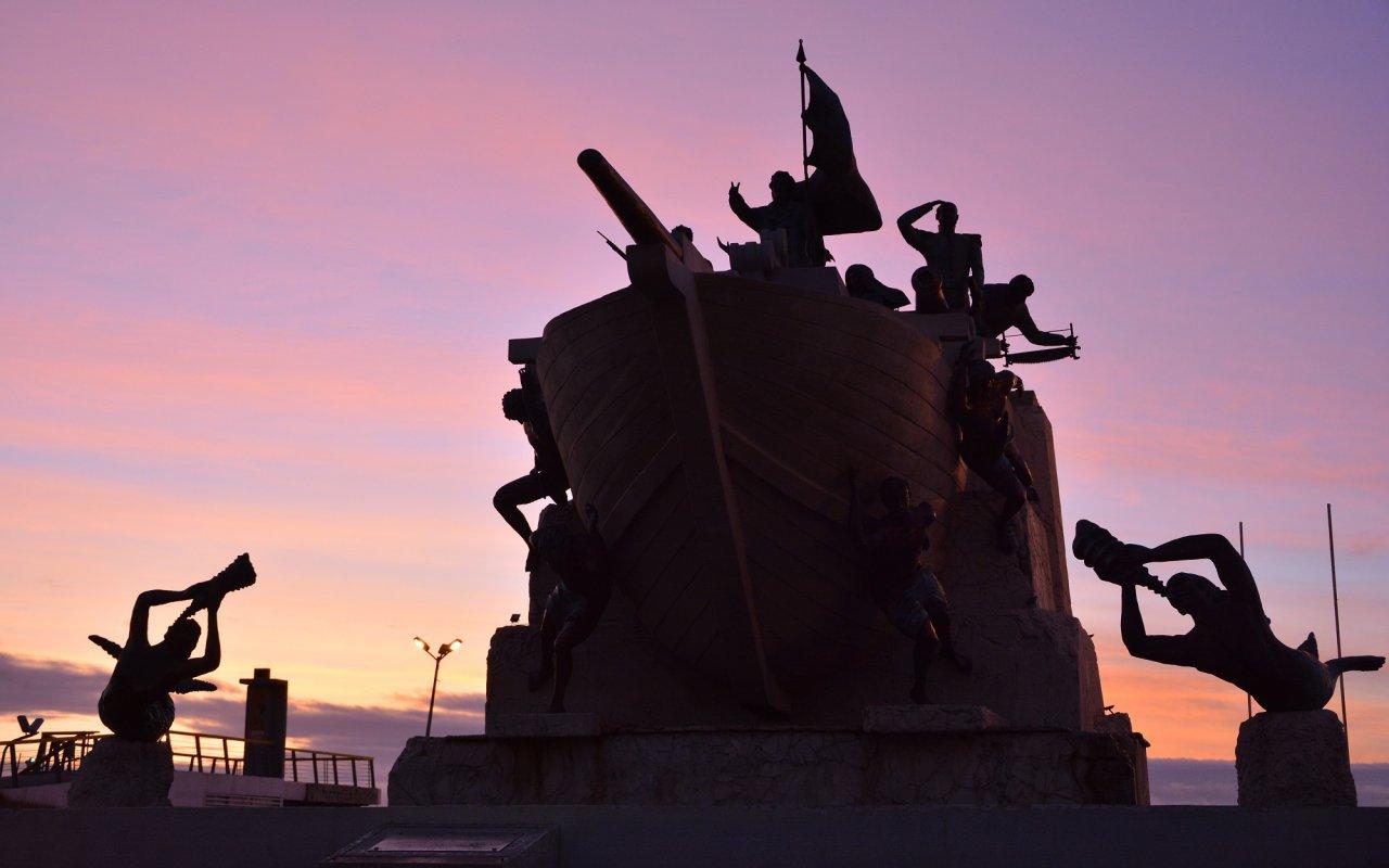 Punta Arenas – Le monument aux marins – Patagonia, Terra Chile