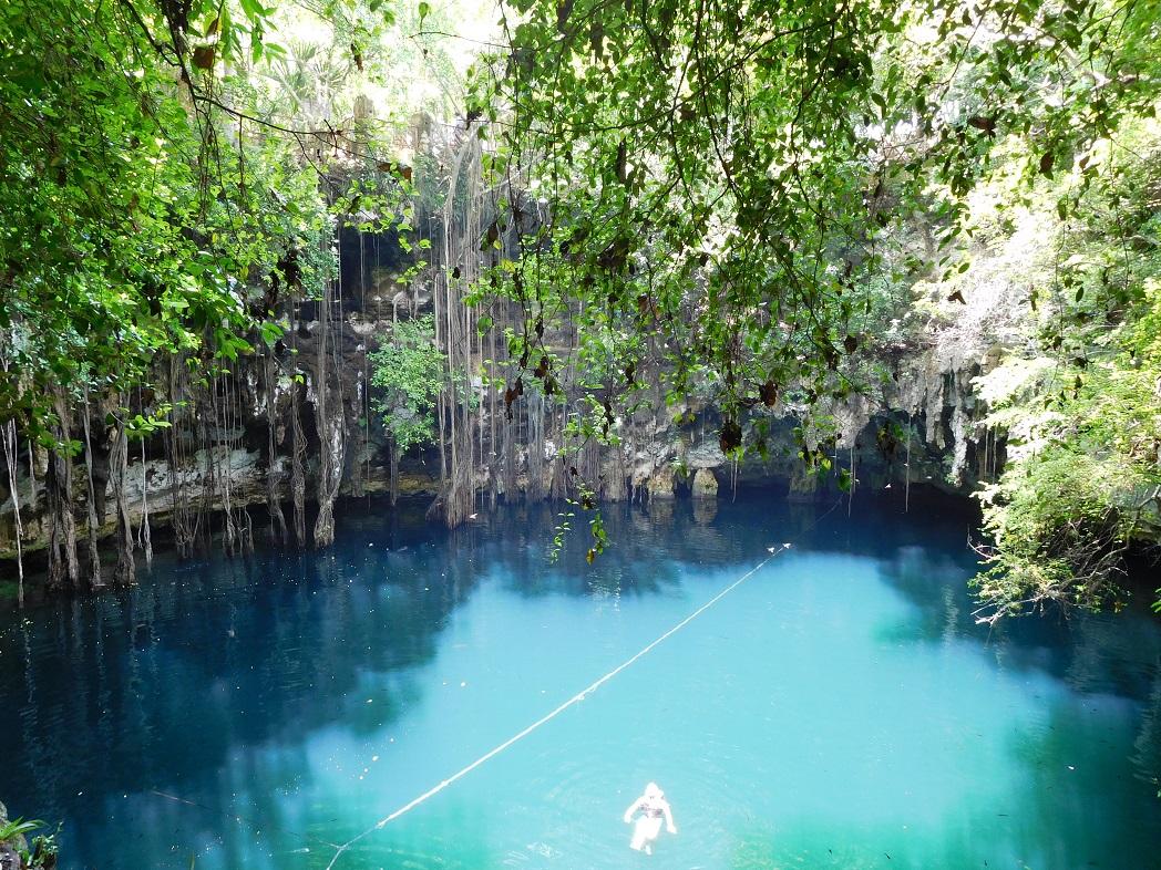 Cenote Yokdzonoot, premier bain d'une longue série – Voyage Yucatan
