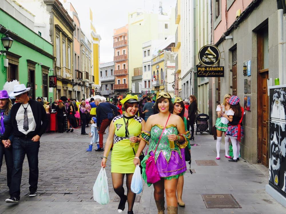 La fête bat son plein dans le quartier de Vegueta – Las Palmas de Gran Canaria