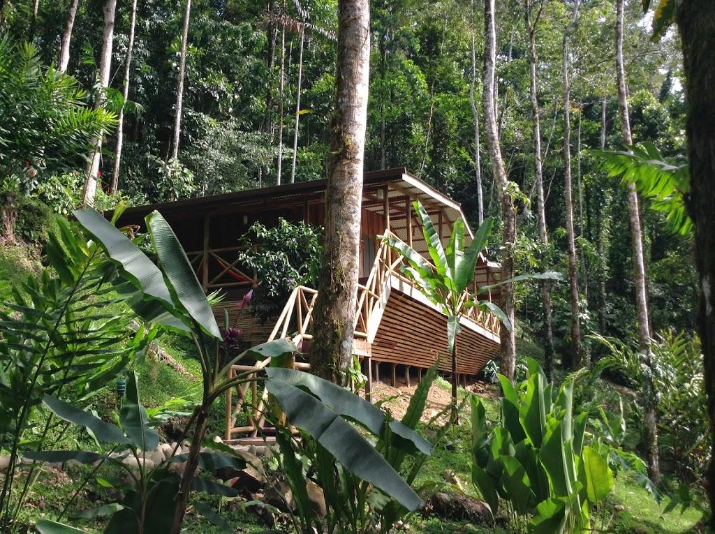 Cabane sur les rives du rio Pacuare – Costa Rica