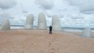 La Mano en la arena – Uruguay