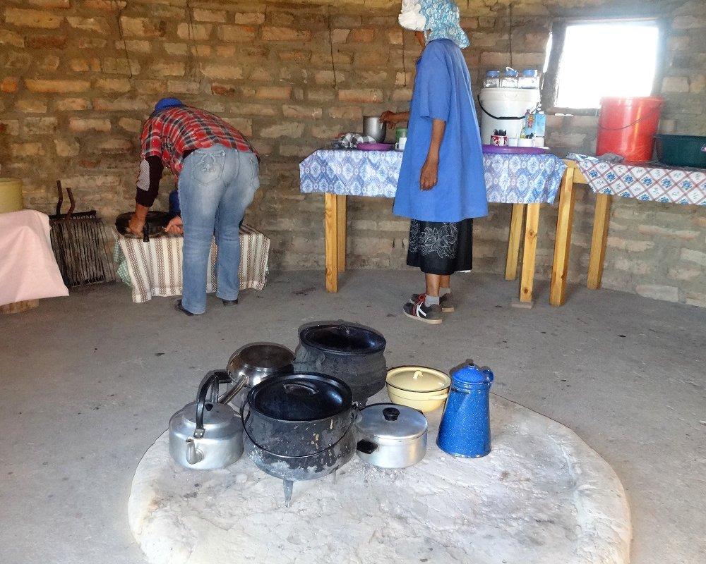 Au Rietjieshuis Ecolodge, le repas est préparé sur le feu