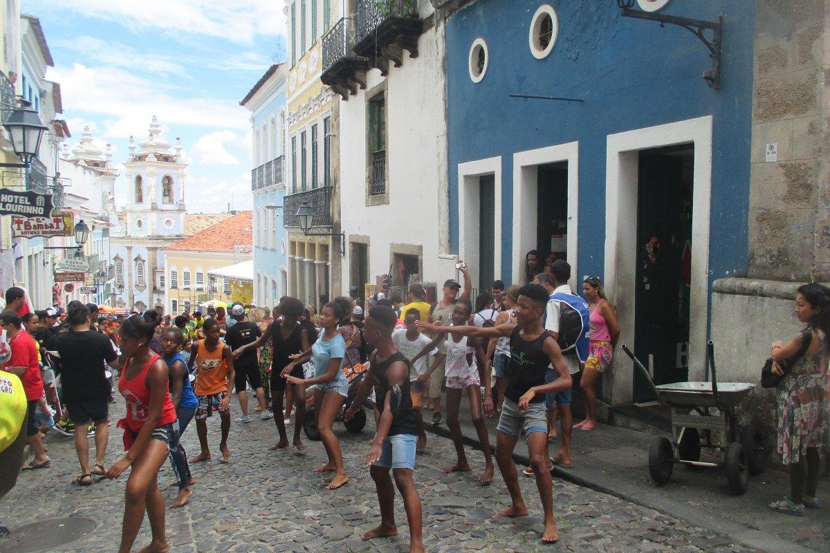 Répétitions pour le Carnaval dans les rues du Pelourinho – voyage de noces à Bahia au Brésil