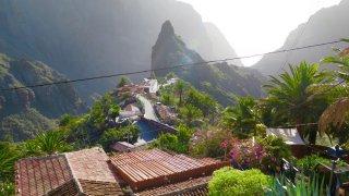 Village de Masca, accroché à flanc de montagne et surplombant l'océan