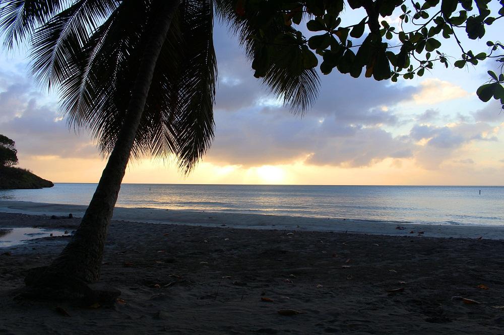 Coucher de soleil depuis la plage d'Agua Dulce – Providencia, Colombie