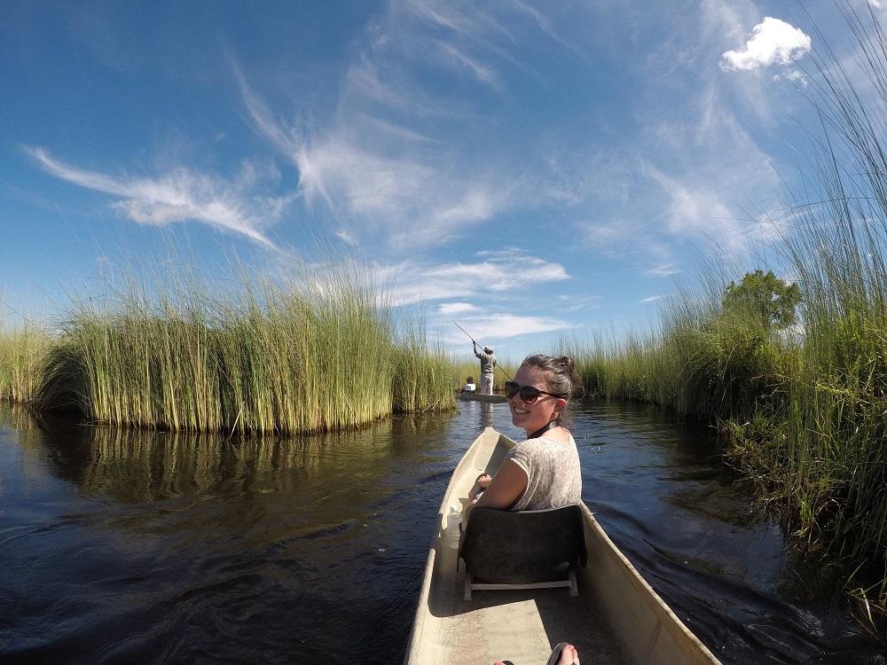Balade en mokoro dans le Delta de l'Okavango, Botswana