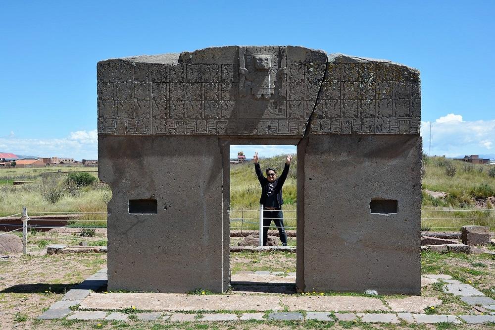 Orlando, notre Esteban à nous, derrière la porte du soleil, Tiwanaku