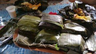 Almuerzo campesino, déjeuner champêtre, enveloppé dans des feuilles de bananier – Costa Rica