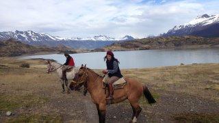 Balade à cheval autour de l'estancia Nibepo Aike – El Calafate, Patagonie argentine