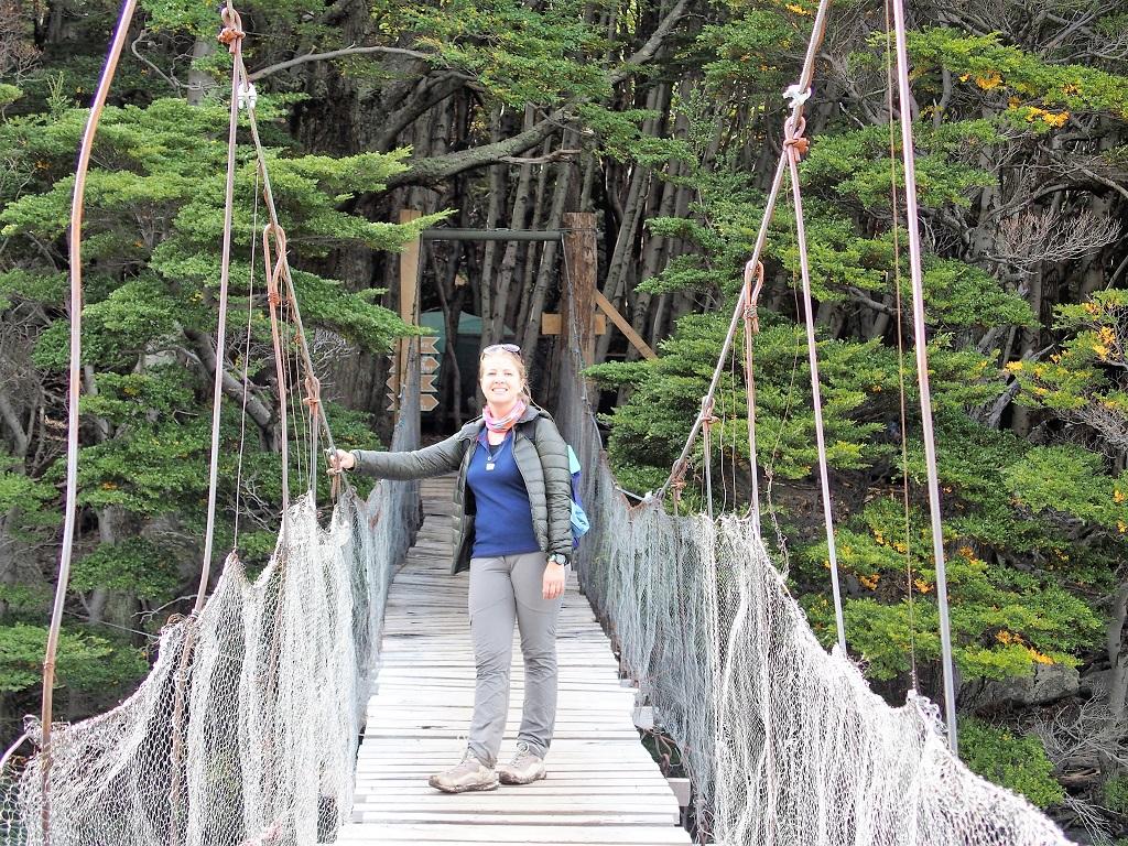 Emilie sur le pont à la vallée del Francés, Campo Britanico
