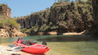 Kayak dans le Canyon de Furnas Brésil
