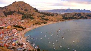 Copacabana, rive bolivienne du Lac Titicaca