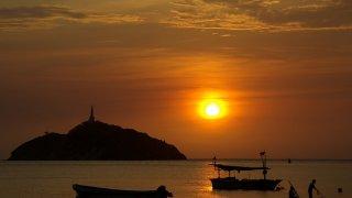 Coucher de soleil sur la baie de Santa Marta, Colombie