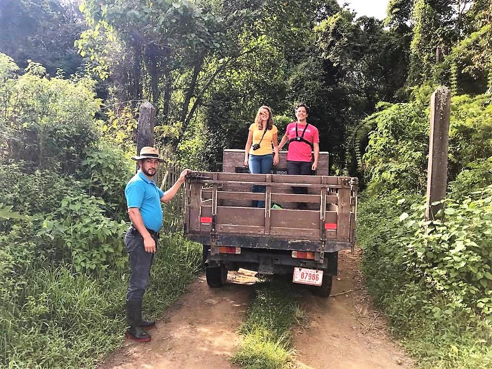 Départ en 4X4 vers la plantation de pommes – voyage au costa rica