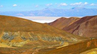 Descente vers les Salinas Grandes – Argentine