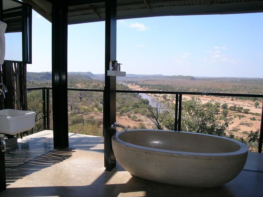 The Outpost Lodge – vue depuis la baignoire – Afrique du Sud