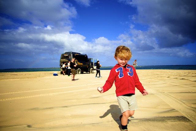 Esteban et le camion 4×4 à Fraser Island – Australie