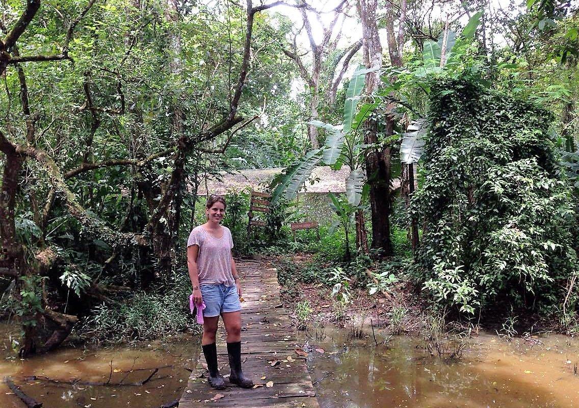 Gabrielle sur le pont, réserve naturelle Los Guatuzos – voyage au Nicaragua