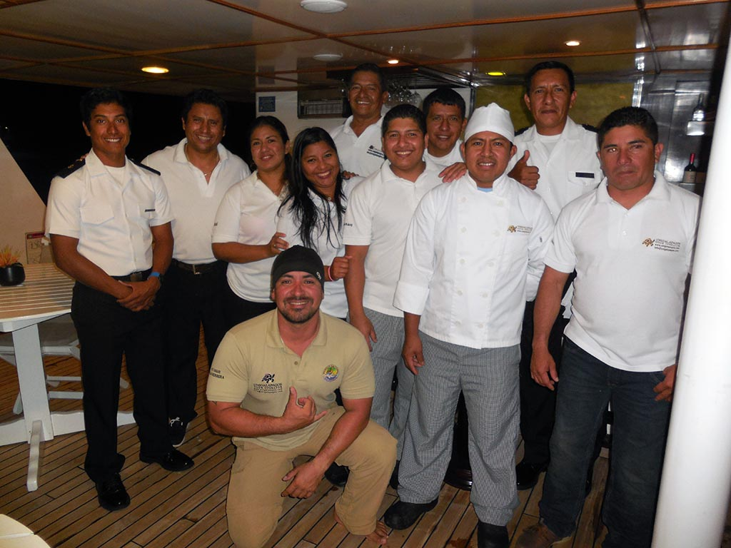 Equipage Anahi – croisière Galapagos