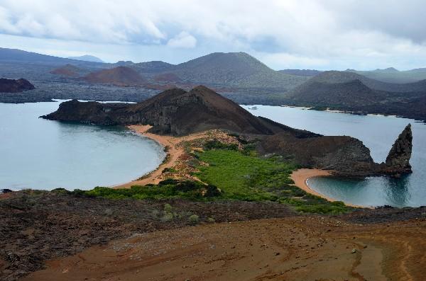La baie de Sullivan à l'ouest de Bartolomé