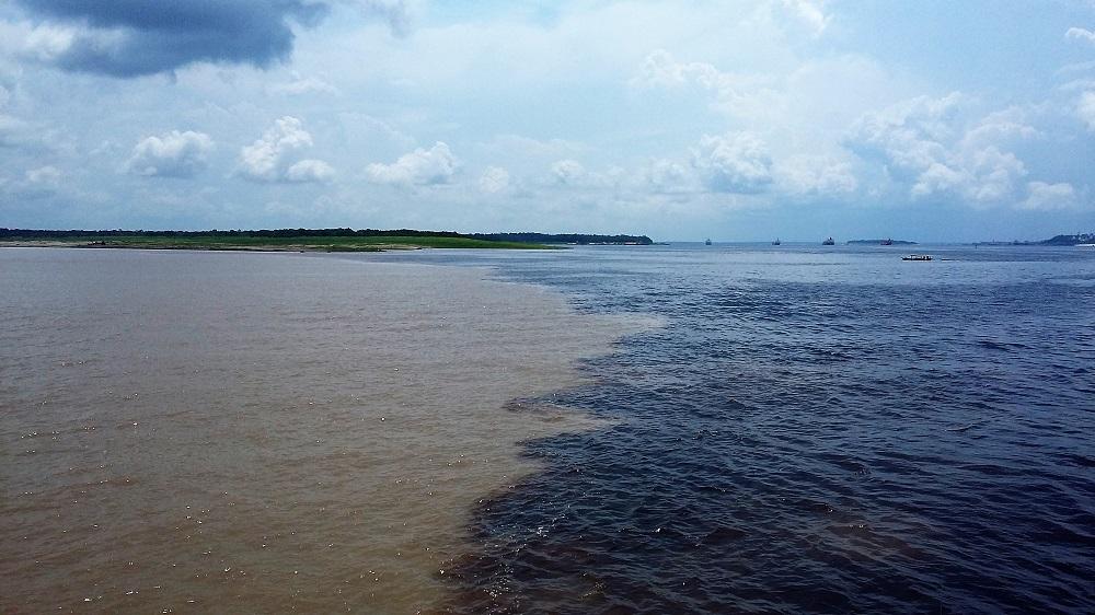 Rencontre des eaux – Manaus, Amazonie brésilienne