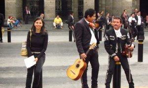 Carola et les Mariachis dans le centre historique de Guadalajara – Mexique