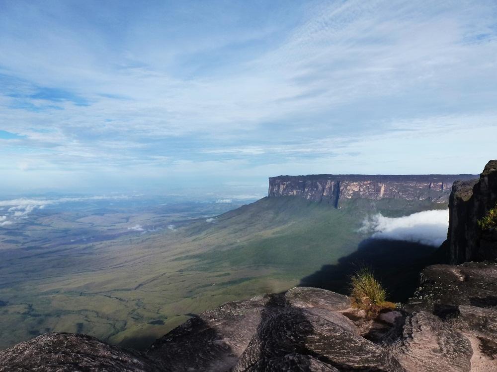 Mont Kukenan depuis Monte Roraima