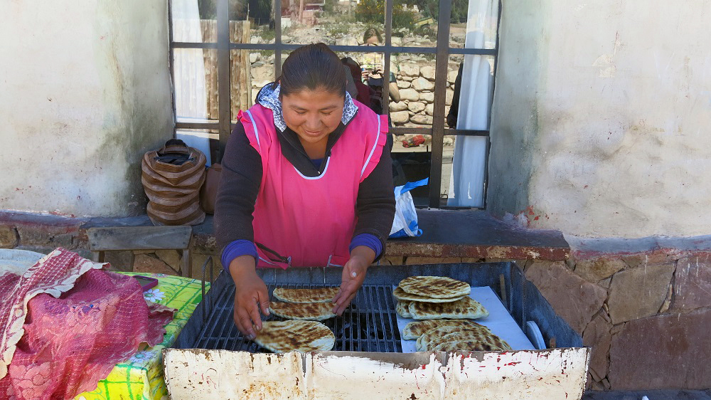 Une petite tortilla pour la route ? Tilcara, Argentine