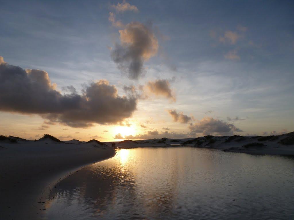 Coucher de soleil sur les premières dunes et lagunes de Atins – Lençois Maranhenses