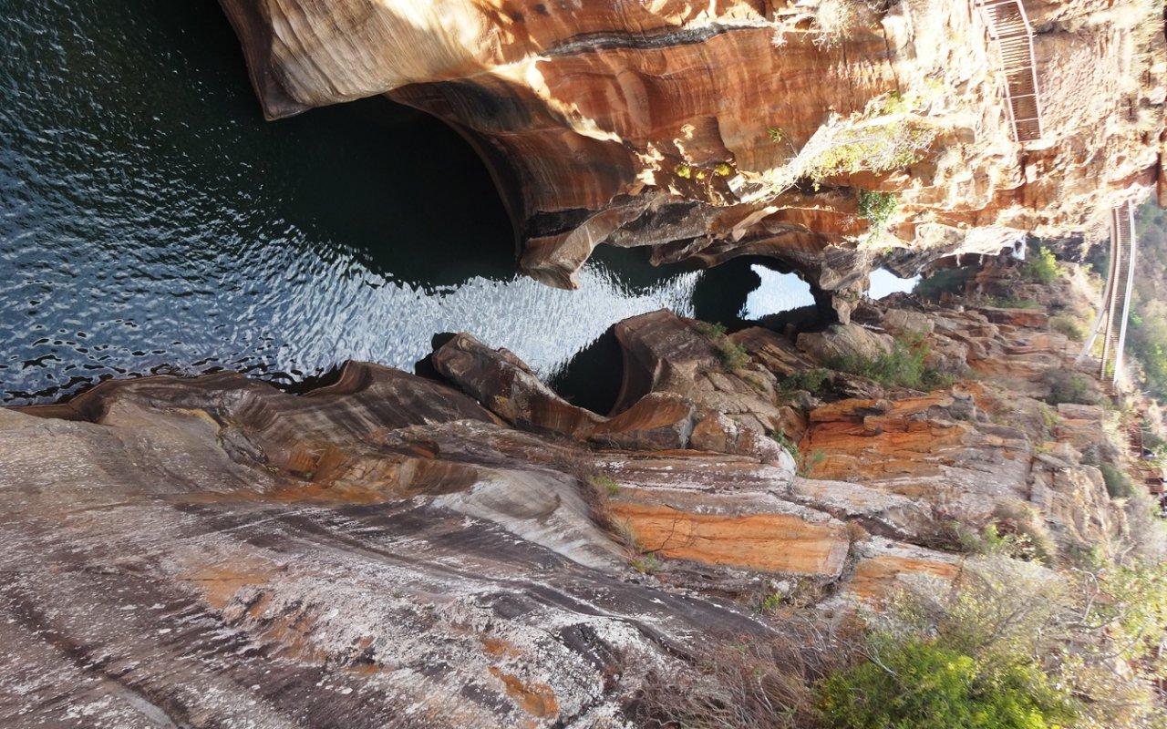 Je m'apprête à plonger dans le Blyde River Canyon – Afrique du Sud