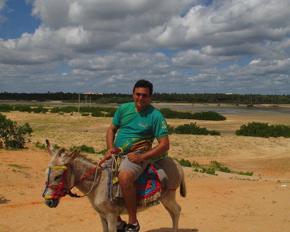 Jorge, notre sympathique chauffeur et sa fidèle monture – Brésil Nordeste