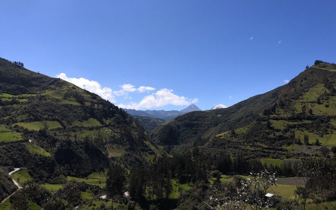 Vue du volcan Ilinizas – volcans en Equateur – Terra Ecuador