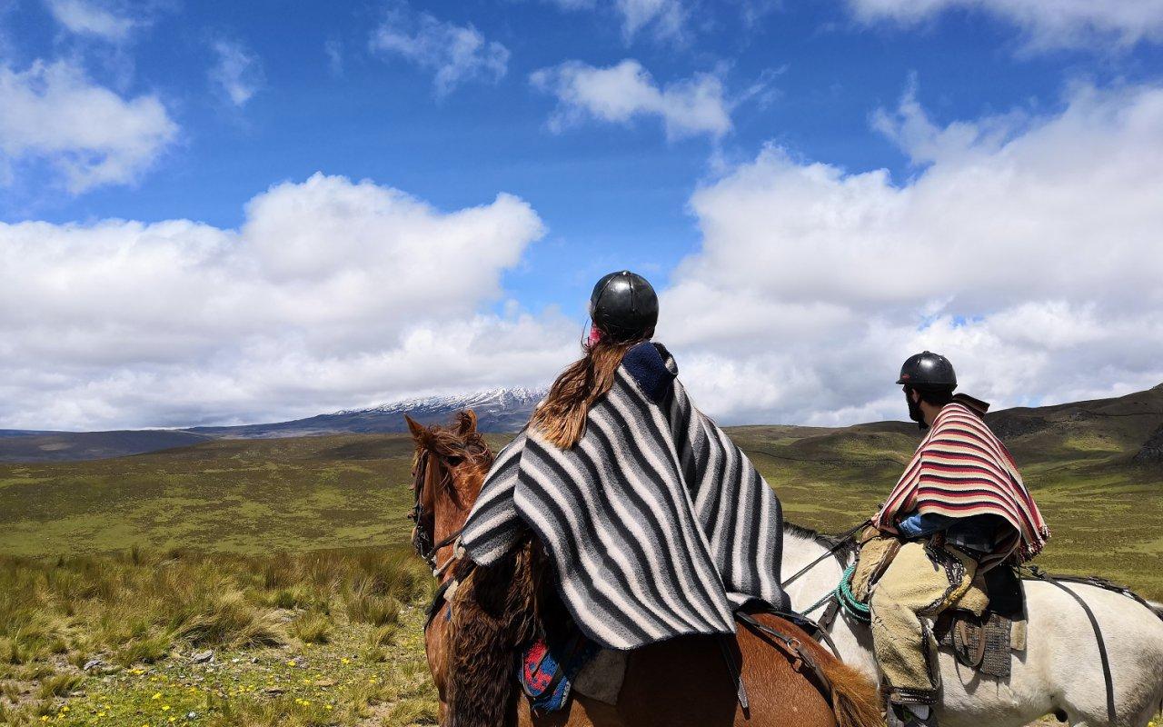 Mathilde et Pierre sur leurs montures – Terra Ecuador