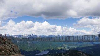 Pont suspendu à Whistler Peak – Voyage Squamish – Terra Canada