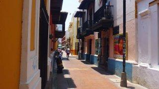 Ruelle du centre historique – Santa Marta, Colombie