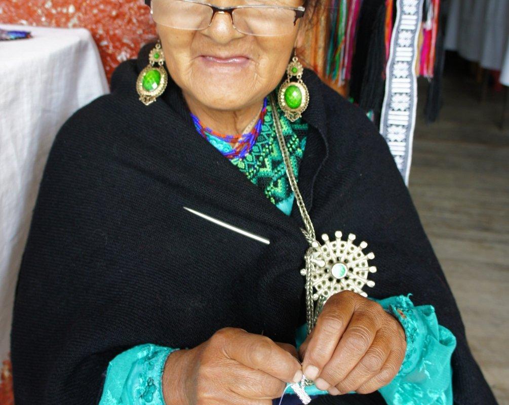 Portrait d'une femme du peuple Saraguro en Equateur