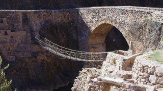 Des ponts de plus de 7 siècles et toujours en place ! Trek Vinicunca, Cusco, Pérou