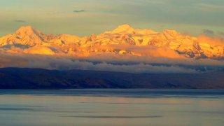 Vue sur la Cordillère Royale – Lac Titicaca, Bolivie